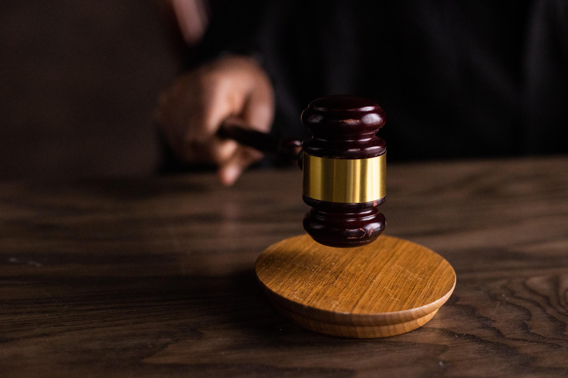 bírósági kalapács